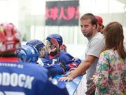 """捷克教练:冰球是""""国球""""  发展冰球教练是核心"""
