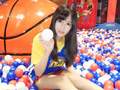 女团BEJ48萌妹助阵黄金联赛 她最爱勇士的库里