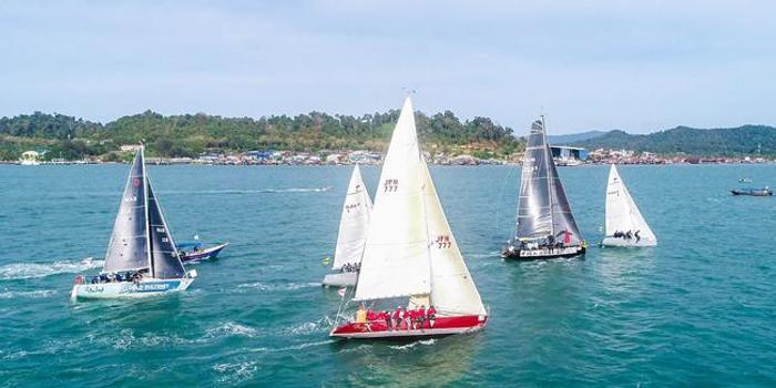 """皇家兰卡威国际帆船赛鸣枪 """"北海号""""力争好成绩"""