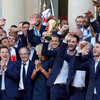 法国总统为法国队庆功