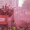 震撼红色人海!利物浦进行夺冠巡游