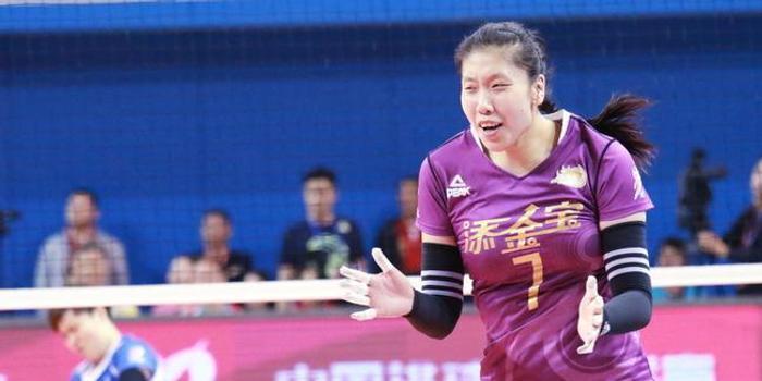 杨艺:努力接好一传帮助李盈莹 杜清清进攻比我强