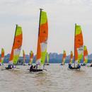 40組家庭揚帆東湖 2019中國家庭帆船賽武漢站啓航