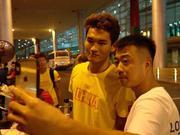 游泳队历经航班周折抵京 徐嘉余目标转向世界杯