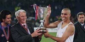被遗忘的奖杯:阿森纳唯一的欧战冠军 大罗摇篮