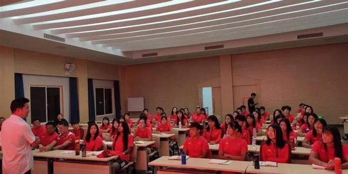 加强作风建设坚持训练备战 中国女橄践行女排精神