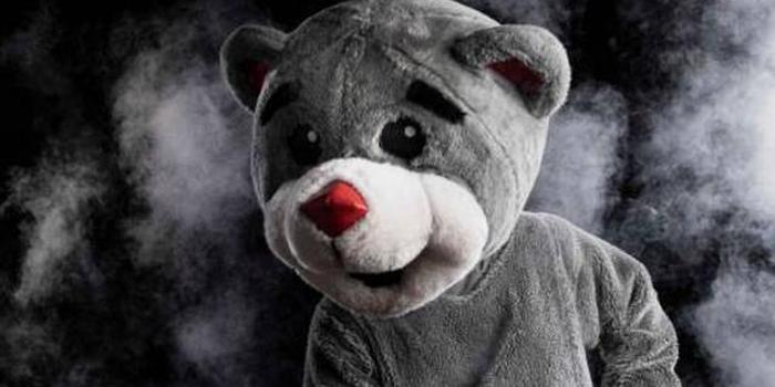 太皮了!火箭熊晒照致意保罗 简直一点都不像