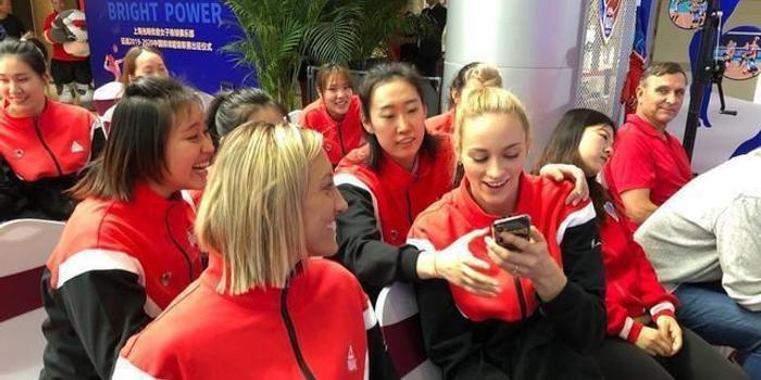 美国队长+德国重炮加盟来了! 上海女排赛季起航