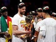 NBA史上第一对全部夺冠的兄弟!还要谢谢科比