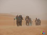 记环保赛第二日:沙暴行走苦中作乐 挑战连绵绝望坡