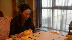 乌兰:挑战自己坚持打完球 希望更多女棋手参赛
