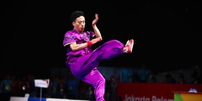 中国夺亚运会首金 男子长拳孙培原力压群雄夺冠