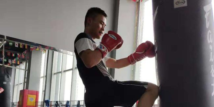 航院大学生:打拳比打游戏好 想拿我就是拳王冠军