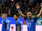 足坛第一老妖在意大利!36岁的他进球比C罗还多