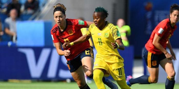 女足世界杯中国联赛现役外援首球 媲美男足金英权