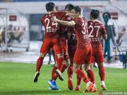 中甲-亚泰2-0轻取梅县登顶中甲 永昌造惊天逆转