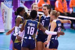 女排世俱杯金牌战科内3-1伊萨 创造历史首度折桂