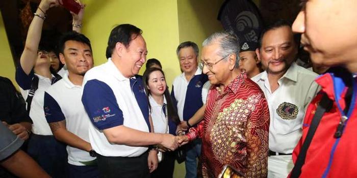 马来总理马哈蒂尔出席颁奖礼