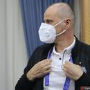 上港亞冠對手戴口罩來發佈會 遭球迷吐槽沒戴對 圖