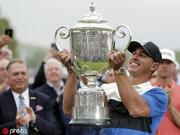 美联评PGA锦标赛|科普卡卫冕不漂亮 DJ逆袭功亏一篑