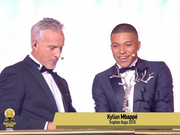 视频-姆巴佩获得象征最佳年轻球员的科帕奖
