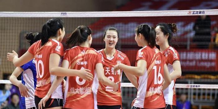 王茜:李盈莹进攻仍无解 江苏女排年轻队员有起伏