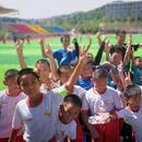 毛尖杯青少年足球赛都匀打响 10所中学获赠装备器材
