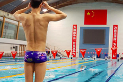 孙杨恢复训练备战奥运:遇困难依然向前 坚持可贵