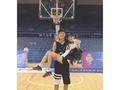 """不拘泥于篮球!王泽奇""""圈里圈外""""的成长"""