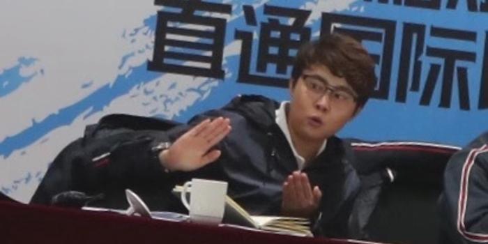 """王濛:武大靖是中国短道旗帜 望更多人""""挑战""""他"""