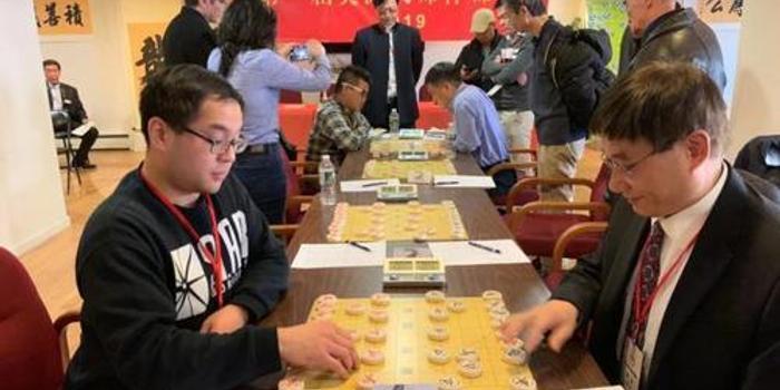 """纽约华裔""""棋王""""彭佳文:象棋让我爱上中国文化"""