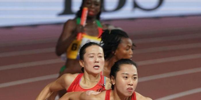 致命失误!女子4x100米接力中国队决赛垫底