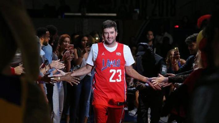 巴巴沃森跨界NBA全明星名人赛 对阵吴亦凡
