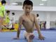 视频-世界体操冠军摇篮中的孩子:我不想练了