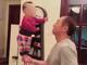 视频-姥爷单手托举半岁宝宝 颤颤巍巍站立玩平衡