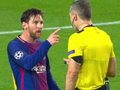 梅西霸气一幕!手指裁判鼻子喋喋不休 他真是怒了