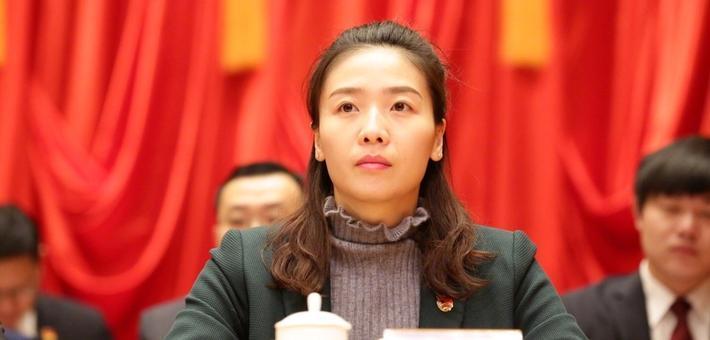 魏秋月出席共青团会议