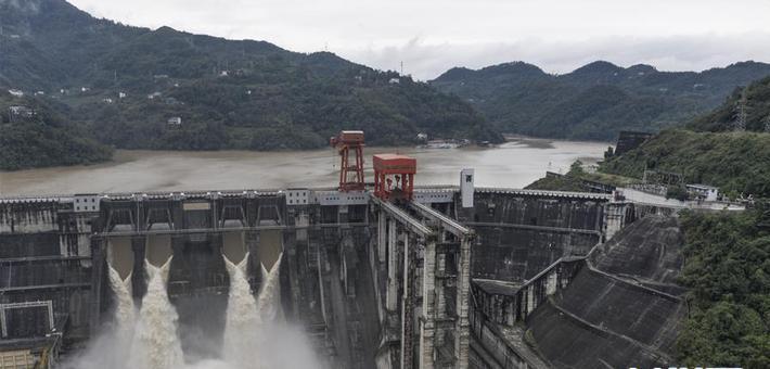 安康水电厂度过入汛以来最大洪水