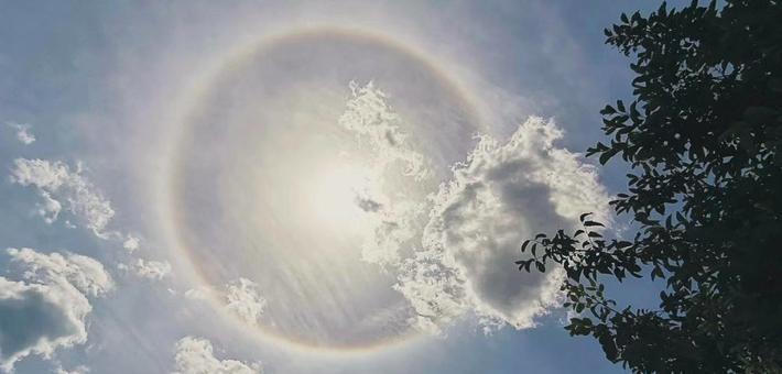 陕西:多地出现日晕景观