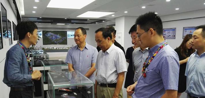 刘焕勋在武汉走访考察企业