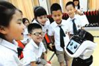 牵手12家科研机构和企业 校园办起科技博览会