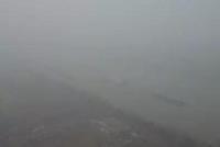 江苏多地遭大雾锁城 局部地区能见度不足百米