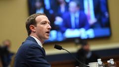 投资者呼吁Facebook任命独立董事长 取代扎克伯格