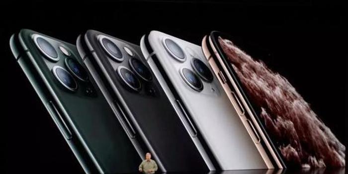 苹果AI芯片首次亮跑分喊话高通,浴霸三摄玩出新高度