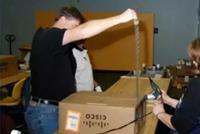 环球网:联邦快递真的只是错投华为包裹吗?