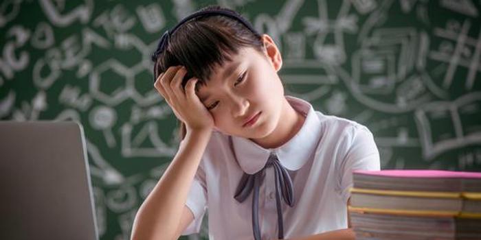 火拼直播课 在线教育能烧出未来吗?