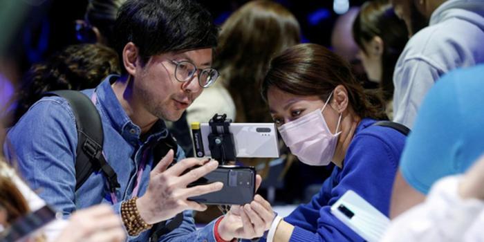 外媒:新冠疫情困扰苹果 对手三星或将从中获益