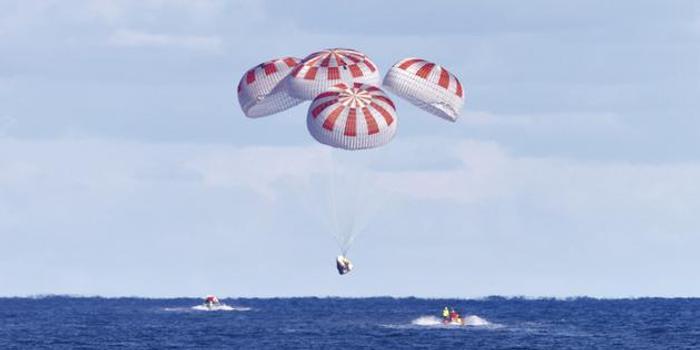 """SpaceX确认:载人""""龙飞船""""降落伞最新测试失败"""
