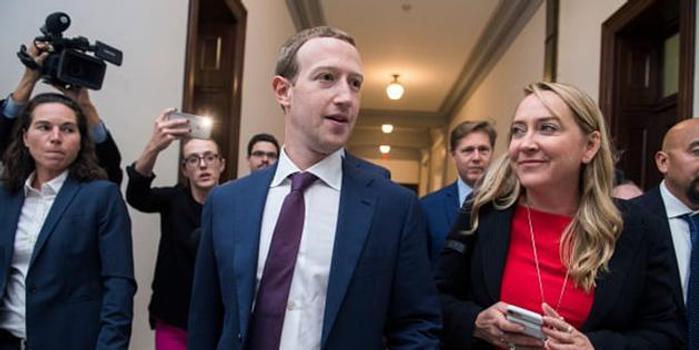美参议员要求小扎解释为何脸书强行追踪用户位置数据