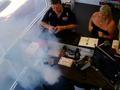 苹果手机在维修店内突然爆炸 浓烟滚滚吓坏众人